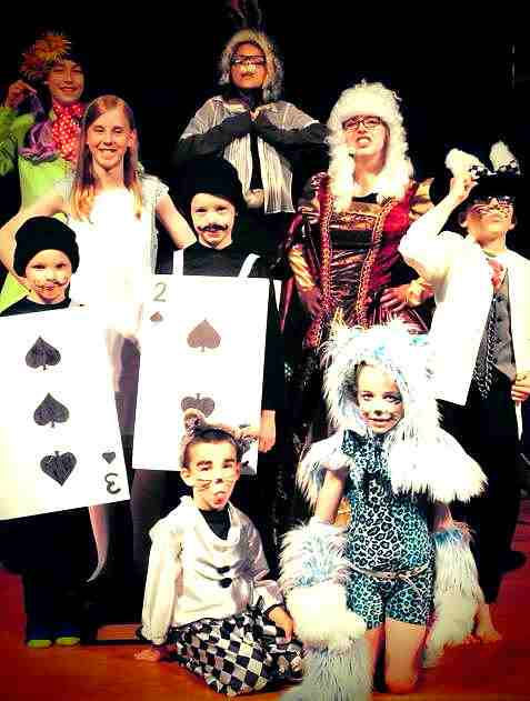 Alice in Wonderland Large Cast Kids Play