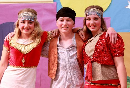 Aladdin large cast play for kids to perform!