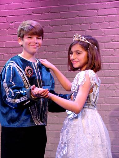 A Christmas Cinderella!  Fun Holiday Musical for Kids!