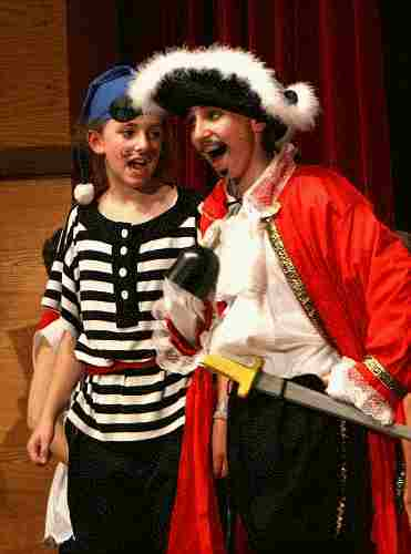Children's Christmas Musicals from ArtReach!  A Christmas Peter Pan!