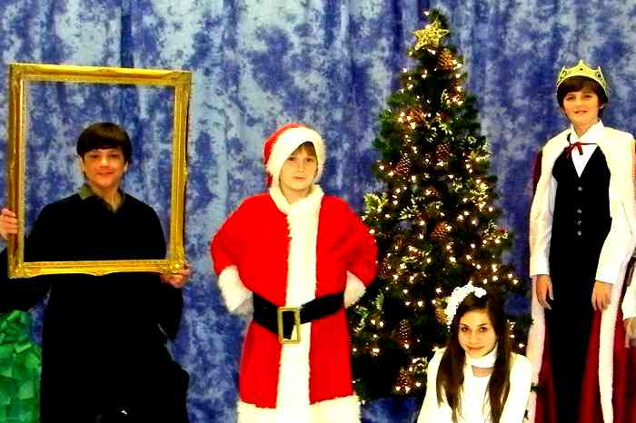 A Christmas Snow.A Snow White Christmas Easy Musical Play For Kids To Perform