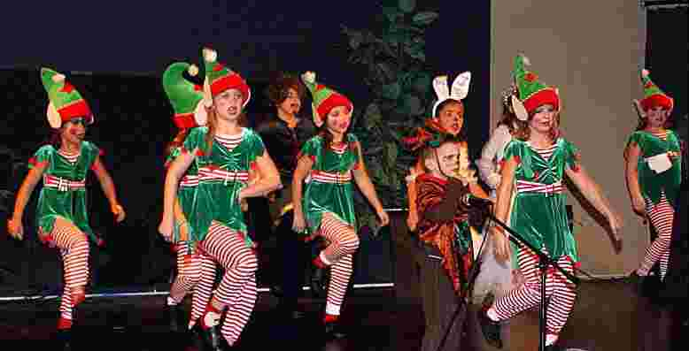Mobile2: A Snow White Christmas Play for Kids to Perform!