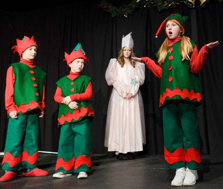 Kids Love Wizard of Oz at Christmas!  A Christmas Wizard of Oz!