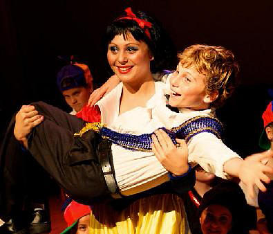 Snow White and her Prince!  ArtReach's Snow White Play!