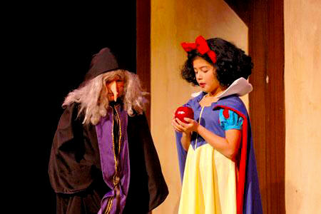 Large Cast Play for Children to Perform - Snow White