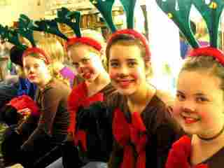 Large Cast Christmas Musicals for Kids!