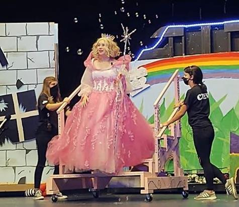 Middle School Performs Wizard of Oz
